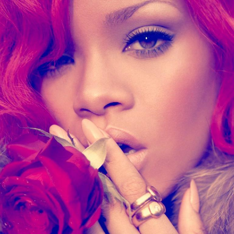 Rihanna-SM
