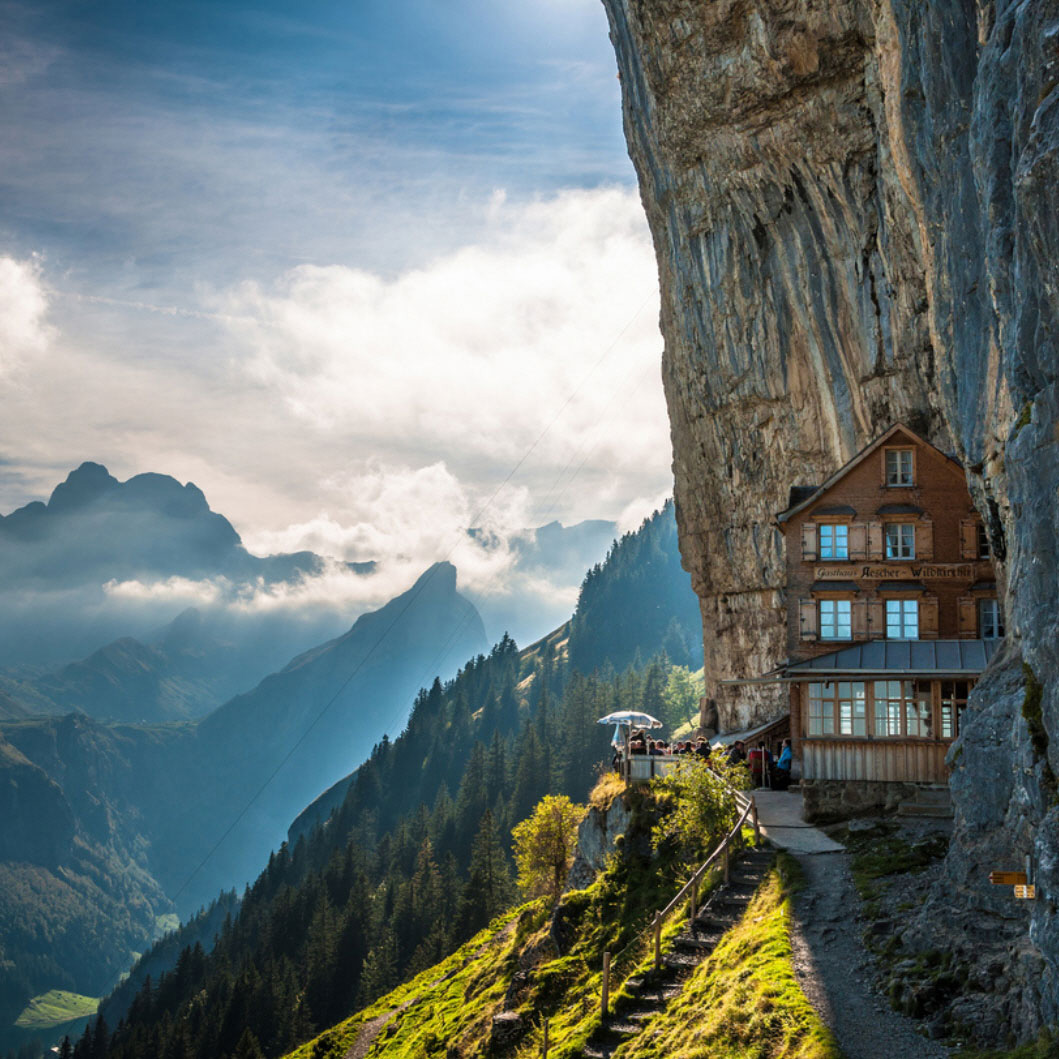 Most Amazing: World's Most Amazing Hotels