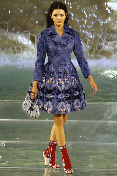 Fendi-90-Anniversary-Fashion-Show-Look-1