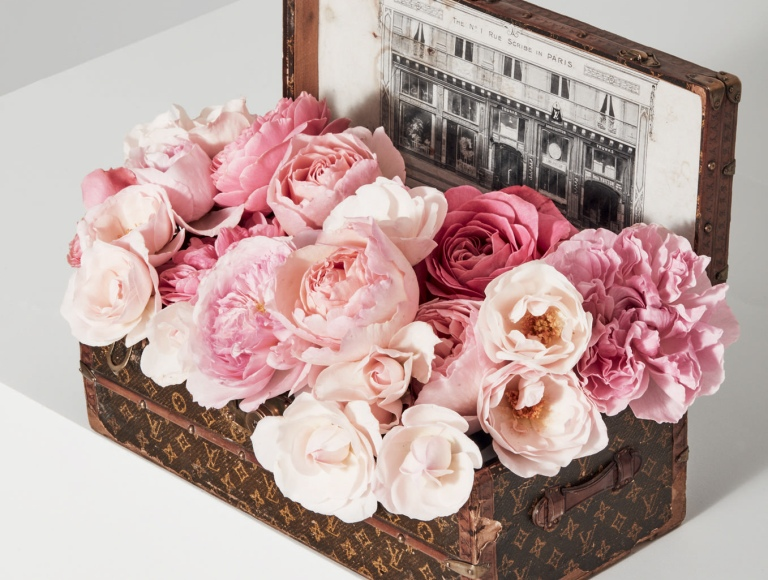 Haute-Today-Louis-Vuitton-Roses-Vintage-Suitcase