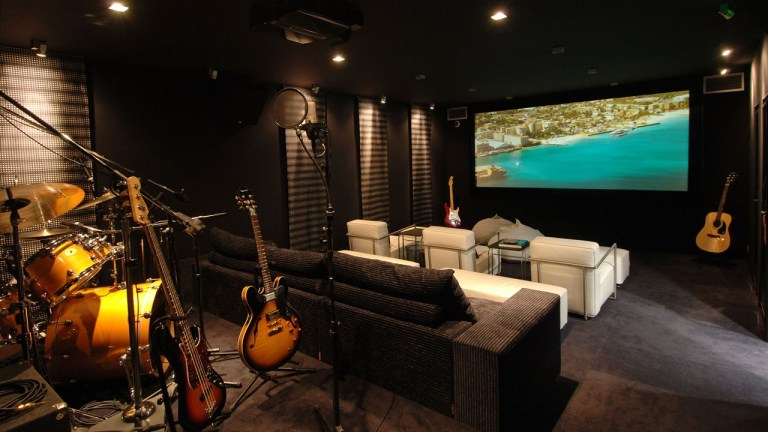 Eden-Roc-St-Barth-Villa-Rockstar-Multimedia-Recording-Cinema