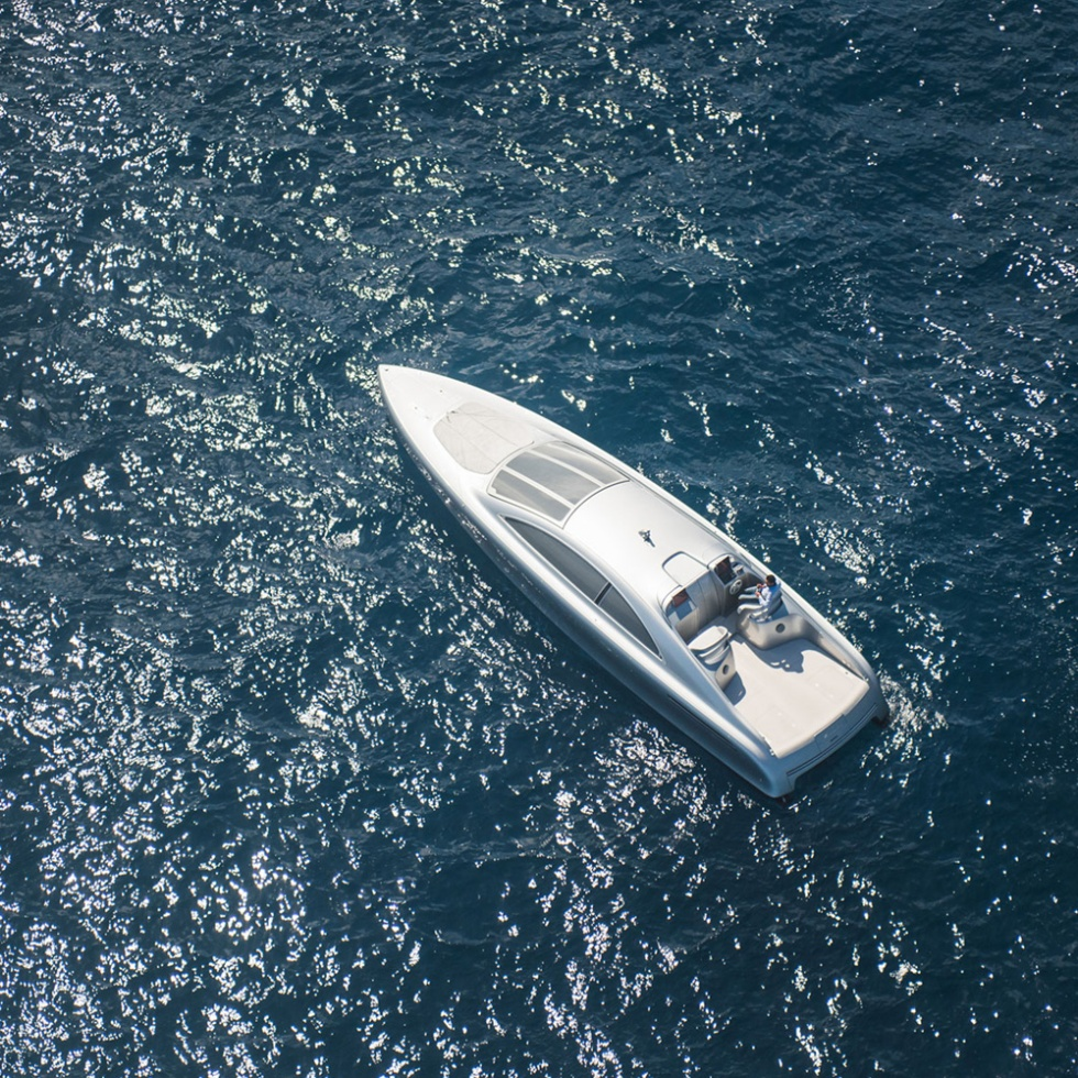 Haute-Today-Mercedes-Benz-Yacht-Granturismo-Top-View