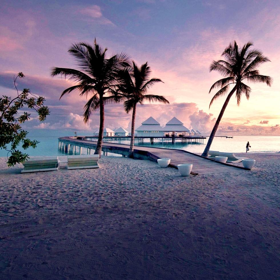 haute-today-diamonds-thudufushi-maldives-sunset