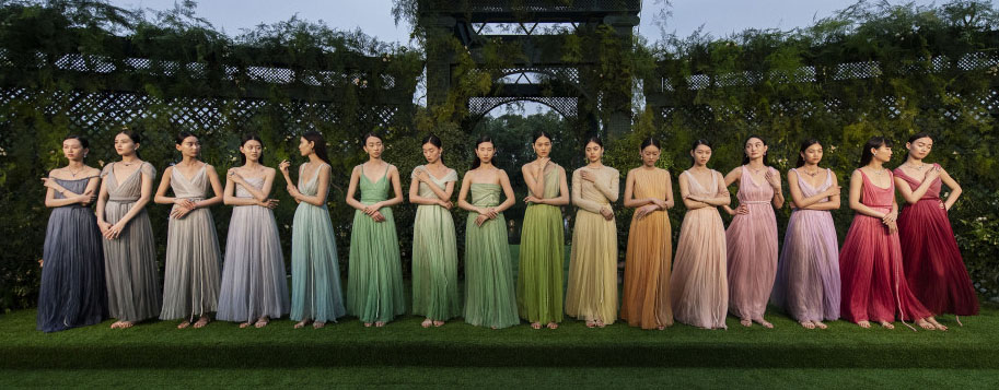 Dior presented 16 new couture looks at the launch in Shanghai